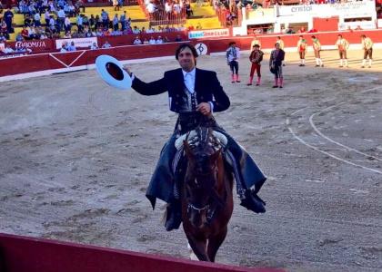 Andrés Romero firma en Mérida su tarde mexicana más completa