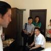 Andrés Romero descubre a chinos el rito de vestirse de torero